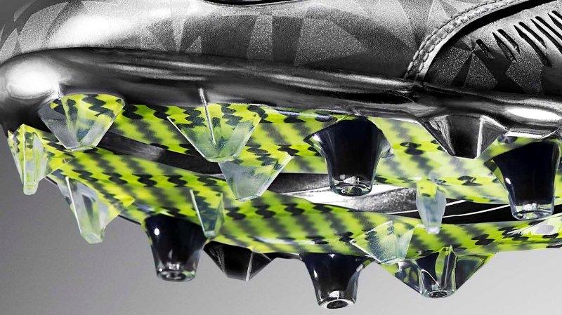 Nike-Vapor-Carbon-2014-Elite-Cleat-superbowl-11